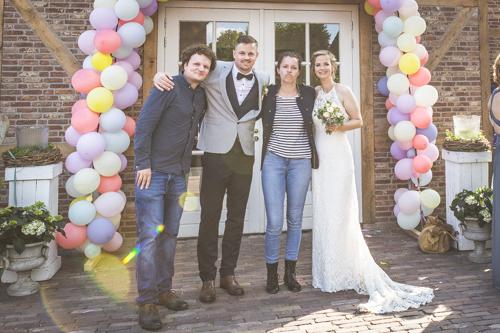 Bild von uns mit einem Hochzeitspaar